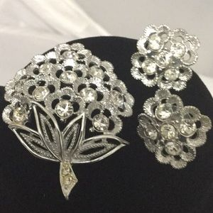 Jewelry - Stunning Vintage Silver Brooch & Pierced Earrings